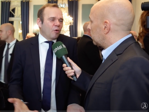Jens Meyer-Wellmann interviewt Bernd Hoffmann (HSV)