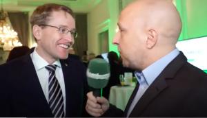 Jens Meyer-Wellmann interviewt Daniel Günther
